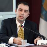 Nenkryetari-i-KQZ-Denar-Biba-duke-folur-gjate-nje-mbledhje-te-Komisionit-Qendror-te-Zgjedhjeve-150x150