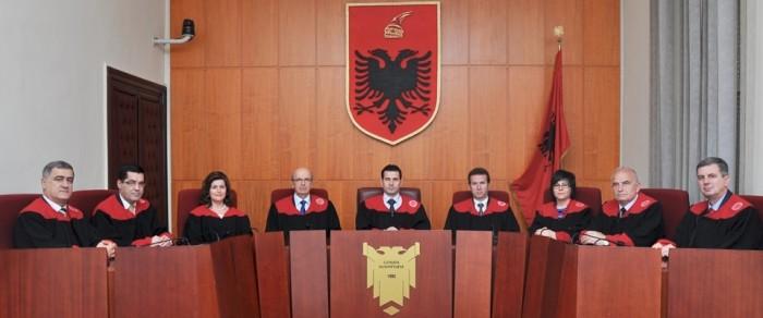 gjyqtaret_960x401_752