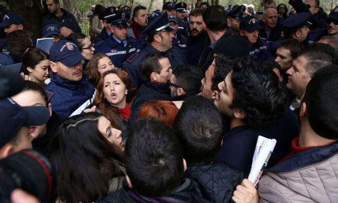 Protesta-per-parkun1-1