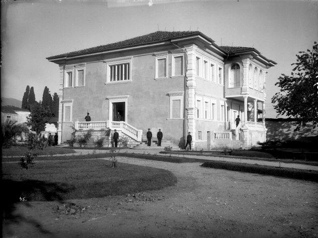 pallati-i-mbretit-Ahmet-Zog-ne-Tirane-K.-Marubi-1928